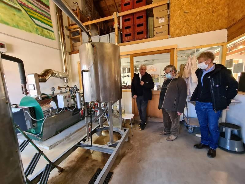 """Du sapin distillé dans un alambic en inox, plus neutre que l'alambic en cuivre, moins """"spiritueux"""" prétendront les puristes..."""