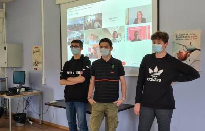 Les 3 élèves lauréats du concours :  Baptiste Pohl, Mathéo Ancel et Simon Arnould.