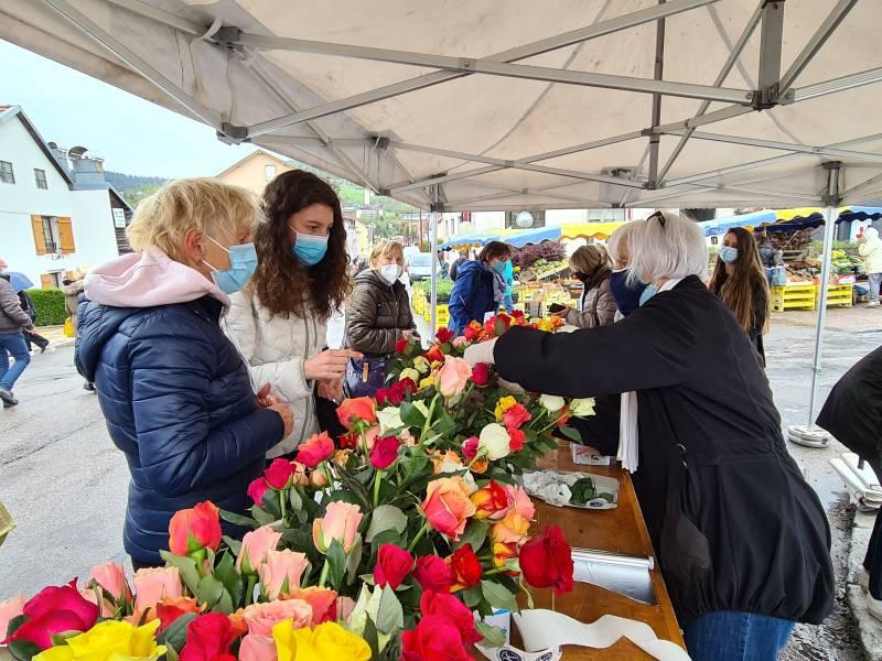 kiwanis Perle vente roses marché Gérardmer (3)