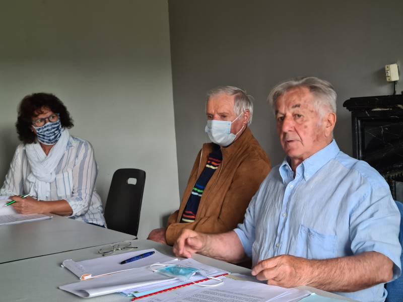 Pierre Sachot en compagnie de Michel Tajana et de l'adjointe Nadine Bassière.
